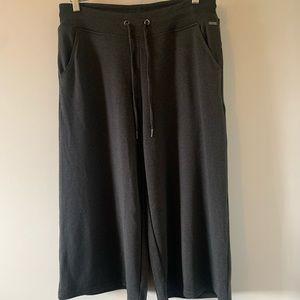 NWOT / Reitmans / Hyba / Wide Leg / Cropped Pant